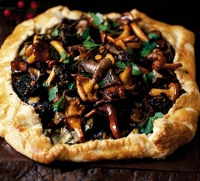 Scallop And Mushroom Pie