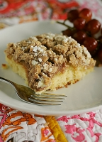 Peaches 'n Crumb Cake